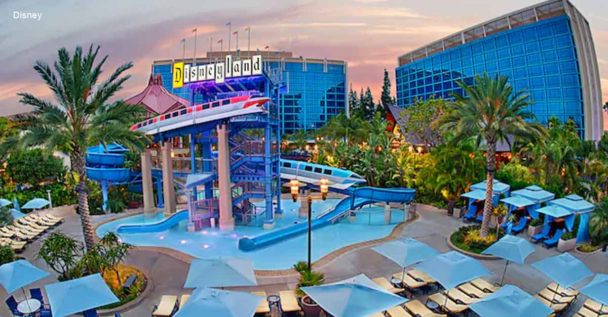Top 11 experiences to have at disneyland resort hotels for Piscine disneyland hotel